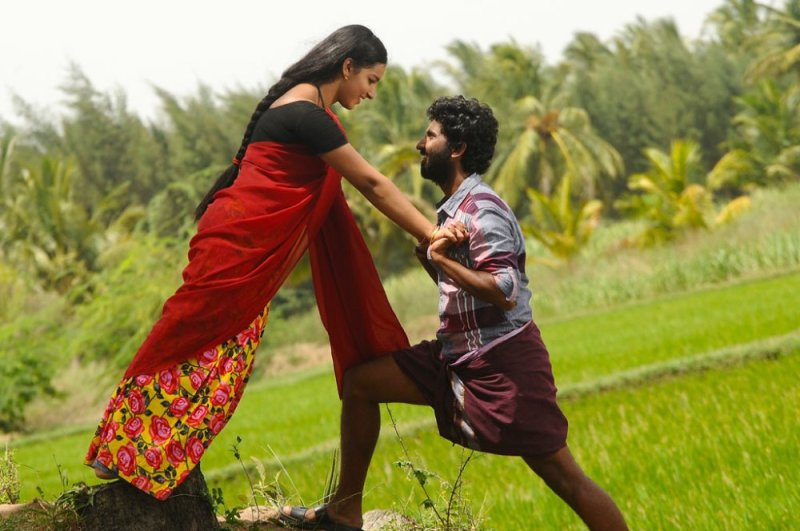 Vizha Movie Review 3